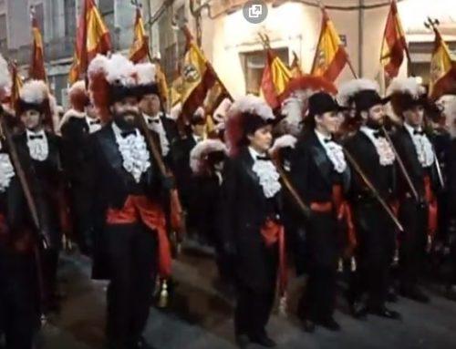 """Video.- LA COMPARSA DE CRISTIANOS DE SAX DESFILANDO CON """"75 ANIVERSARIO DE LOS LABRADORES"""""""